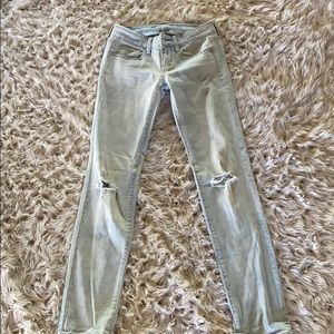 American eagle outfitters skinny jeans !